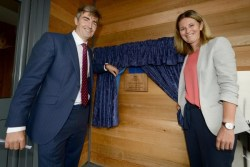 04- Unveiling the MH plaque